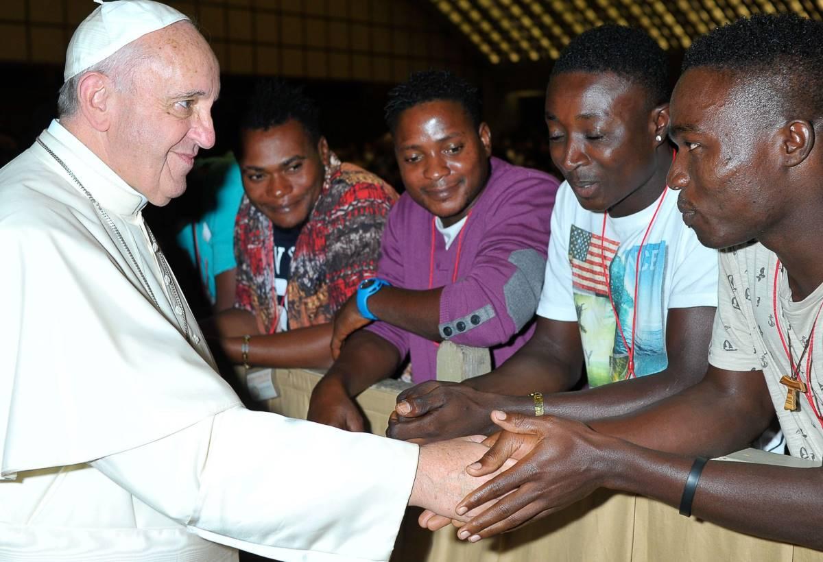 Gli insegnamenti (e i moniti) di Papa Francesco sugli argomenti migranti, rifugiati e tratta