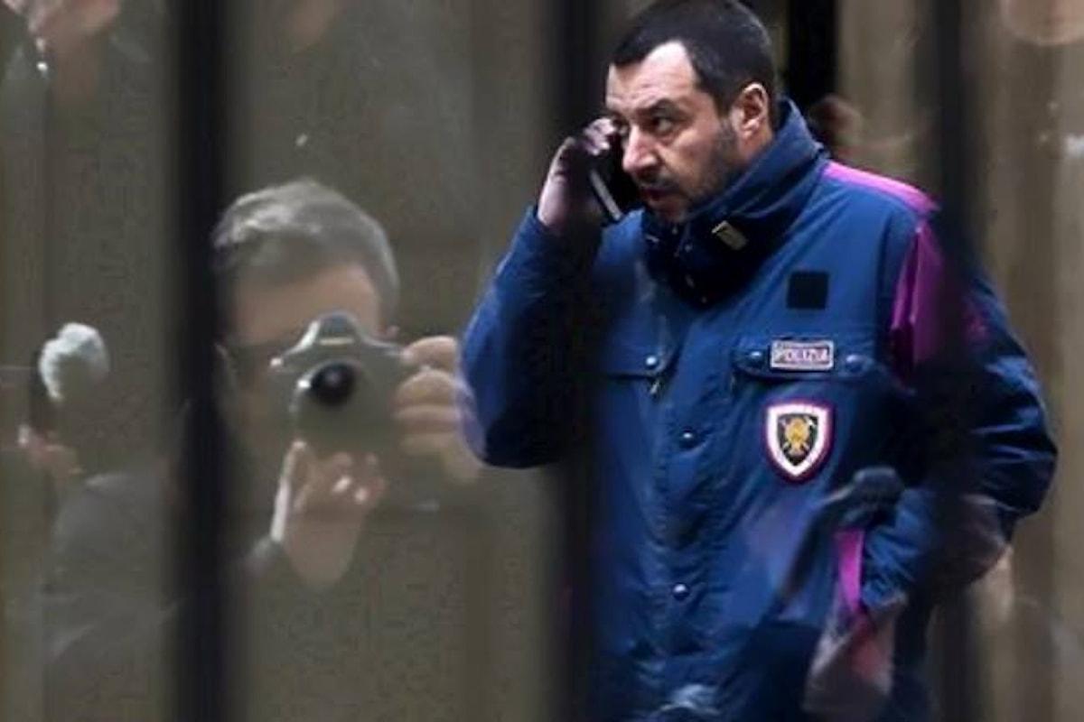 Saviano: perché Salvini è sempre in divisa?