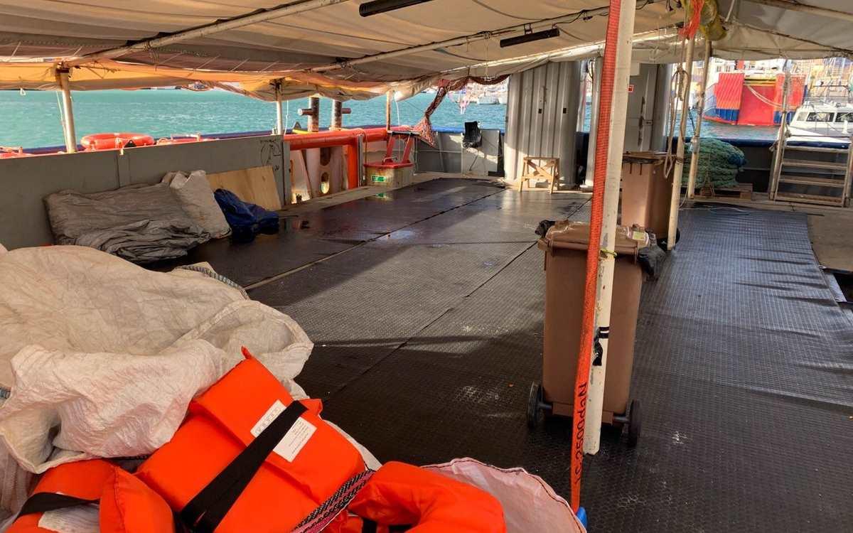 La Guardia Costiera notifica a Sea-Watch il divieto di salpare dal porto di Catania
