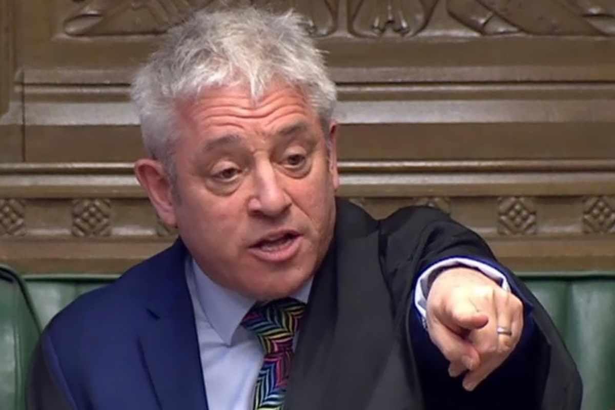 312 voti sì contro 308 no: la Gran Bretagna non vuole uscire dall'Europa senza un accordo