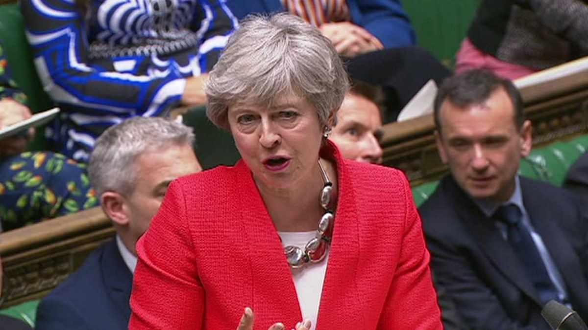 Brexit, l'ennesima valanga di no sommerge la nuova proposta di accordo presentata da Theresa May
