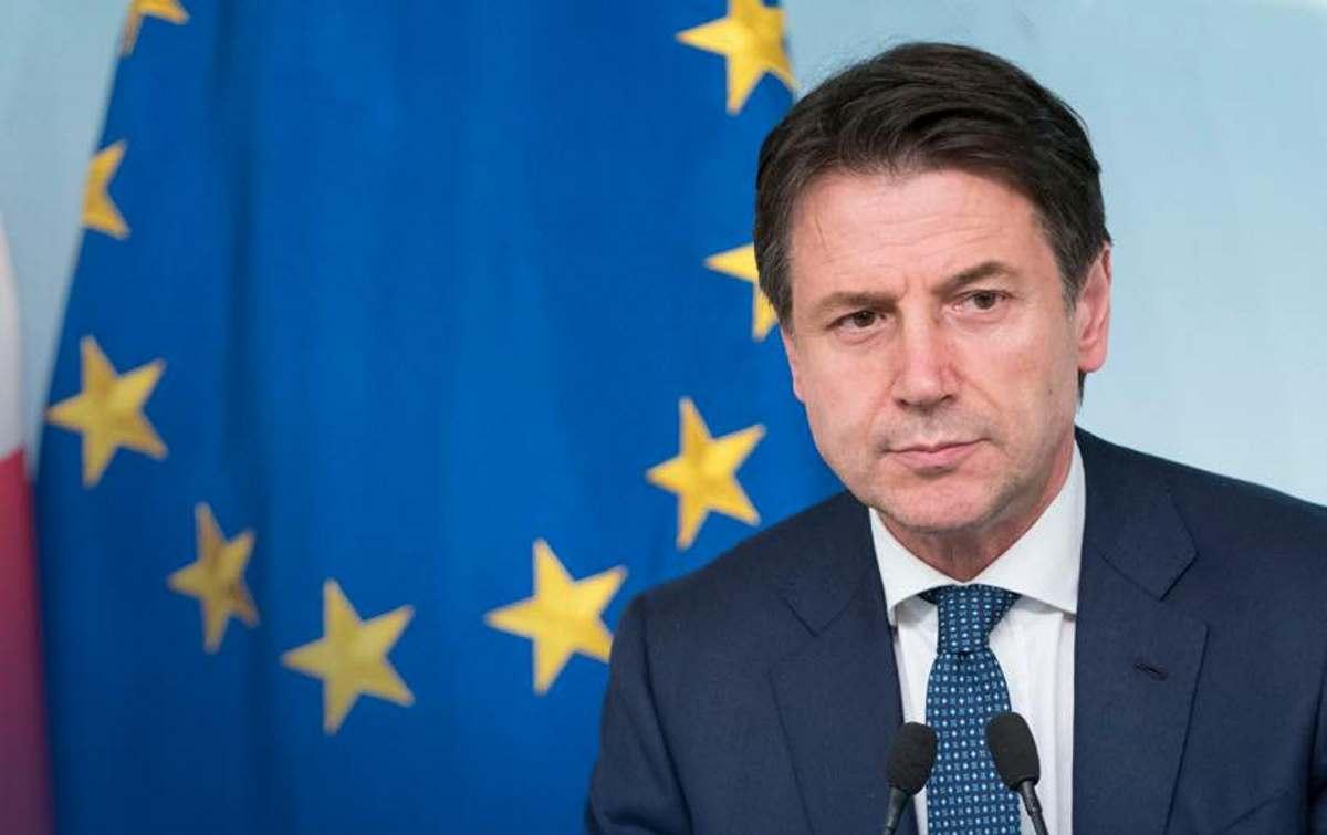 Conte chiede leale collaborazione a Salvini e Di Maio minacciando altrimenti le proprie dimissioni
