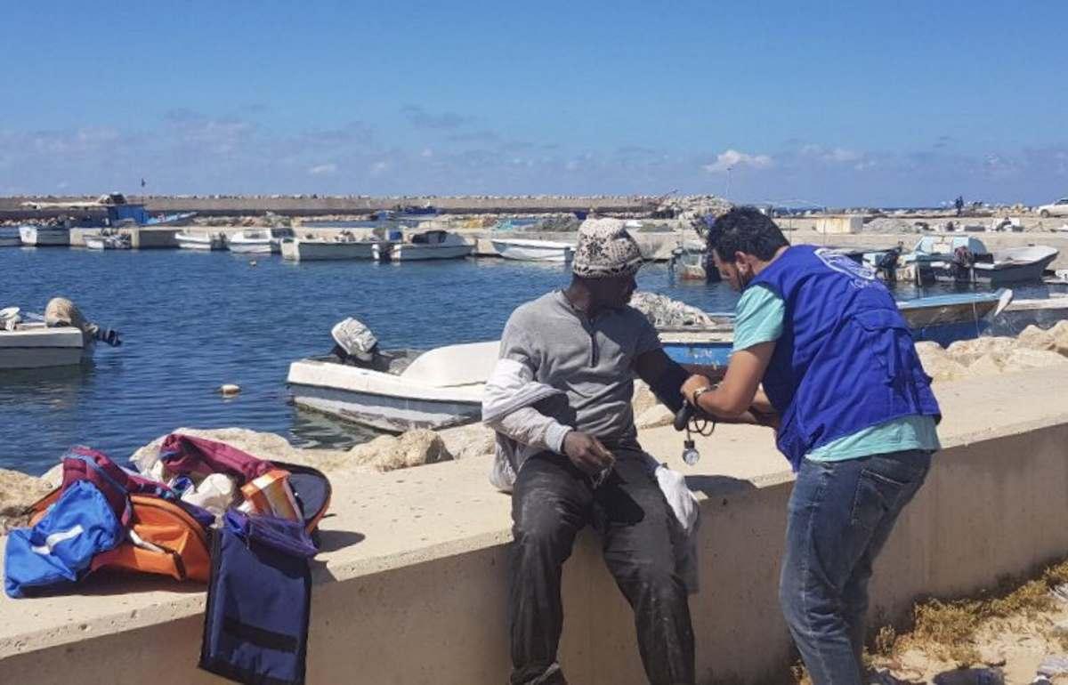 Ancora un'imbarcazione di migranti che si capovolge davanti alle coste libiche, oltre 20 i dispersi