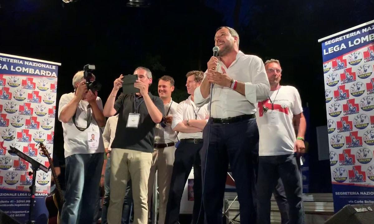 Dopo il vertice di giovedì Salvini attacca Tria sulla flat tax e Di Maio scalpita per il salario minimo