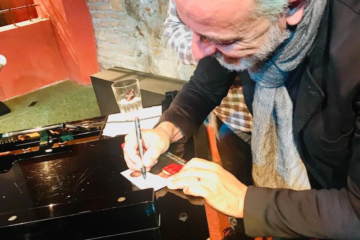 """Maurizio Martinelli festeggia l'uscita dell'album """"I dettagli di un giorno"""" al teatro Arciliuto"""