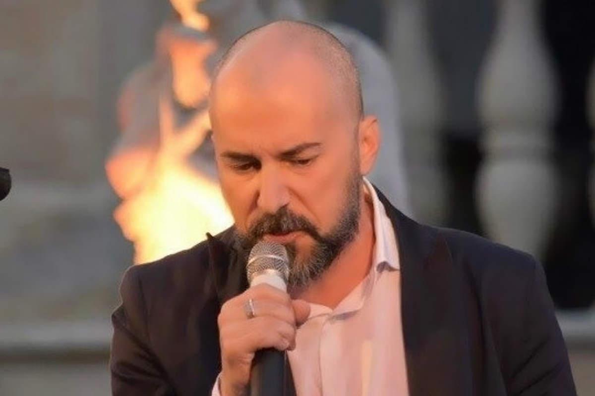 In radio e nei digital store dal 21 Ottobre La pioggia di Agosto, il primo singolo da solista di Enrico Zambelli