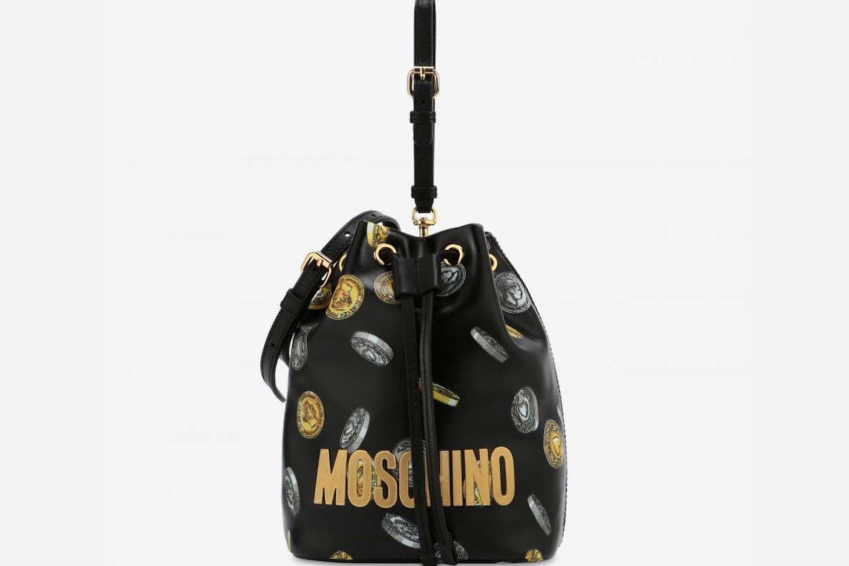 Piovono pazze borsette... arriva Moschino!