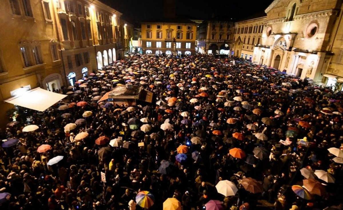 La questura di Reggio assegna la piazza di Bibbiano alla Lega, ma le Sardine non mollano