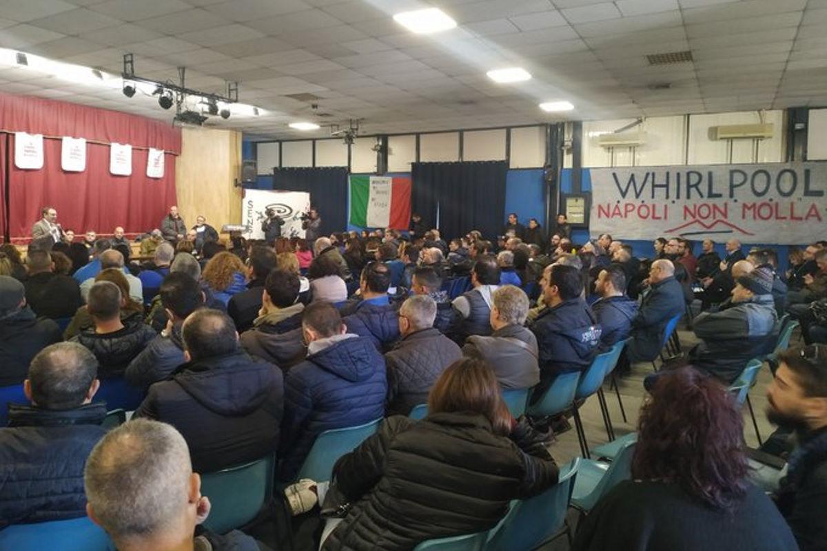 Whirlpool, assemblea a Napoli per decidere come rispondere alla decisione dell'azienda di chiudere lo stabilimento