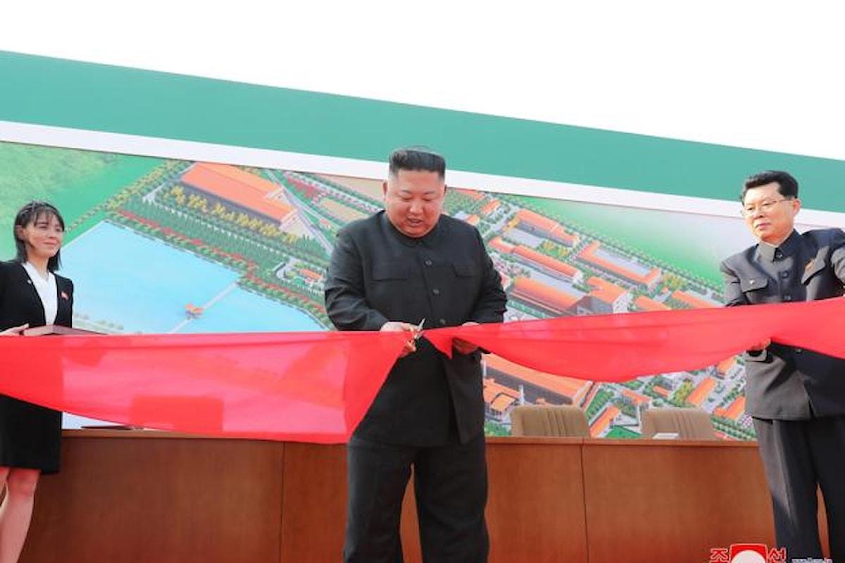 Corea del Nord, dopo 20 giorni ricompare Kim Jong-un