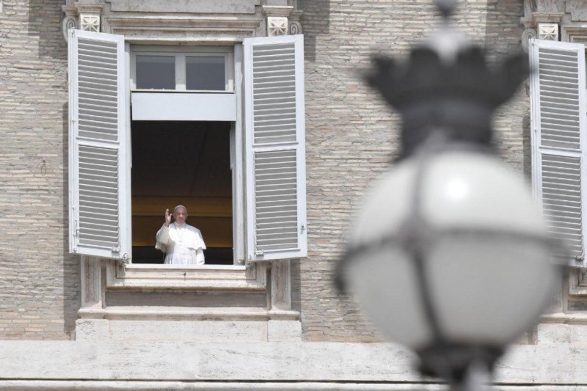 Riapre S. Pietro in Vaticano: Papa Francesco 'Attenzione alle norme'