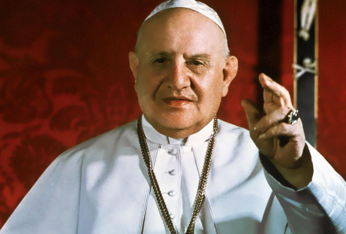 E adesso Salvini vorrebbe arruolare pure papa Giovanni XXIII