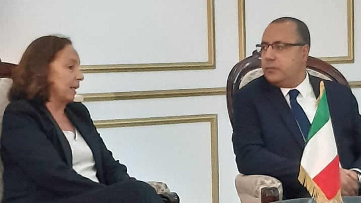 L'infuocata giornata della ministra Lamorgese dalla Tunisia all'Italia