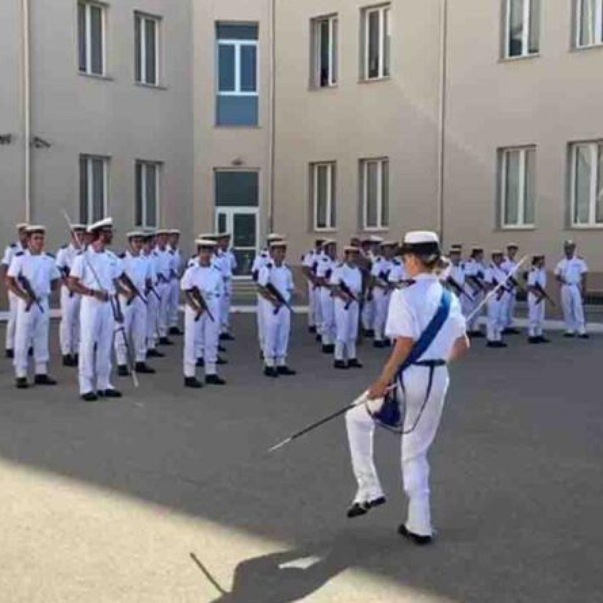 Taranto: cambio di incarico e rischio consegna di rigore per la Tenente di vascello del balletto