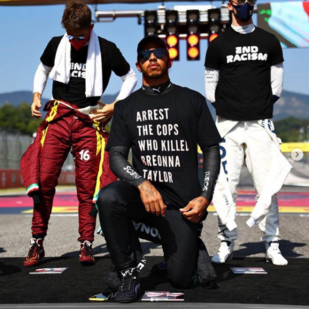 La FIA storce il naso sulla sua maglietta ma Hamilton continuerà come prima la sua battaglia contro il razzismo