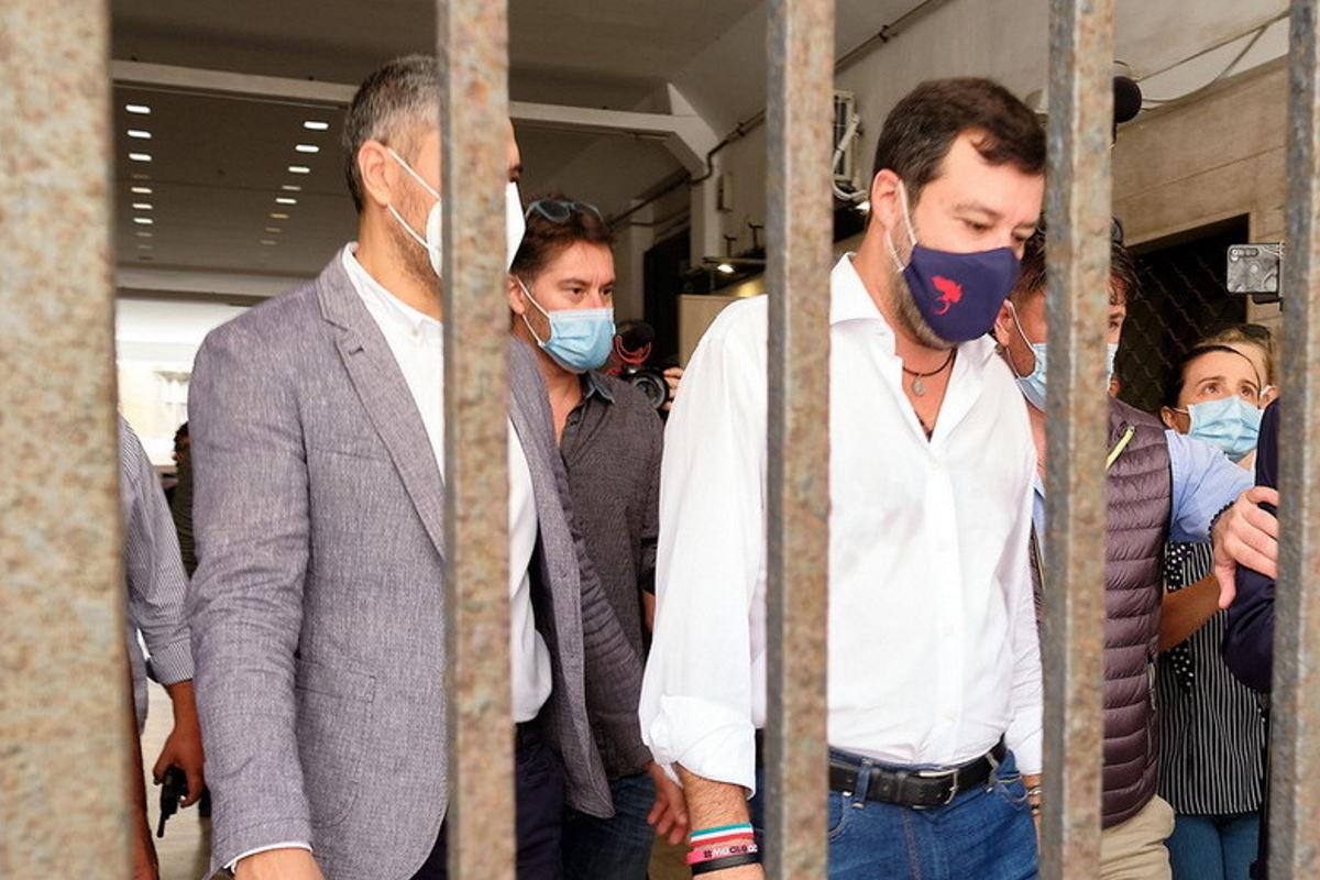 Caso Gregoretti: la procura di Catania ha chiesto l'archiviazione per Matteo Salvini ma il GUP vuole prima sentire Conte e altri ministri
