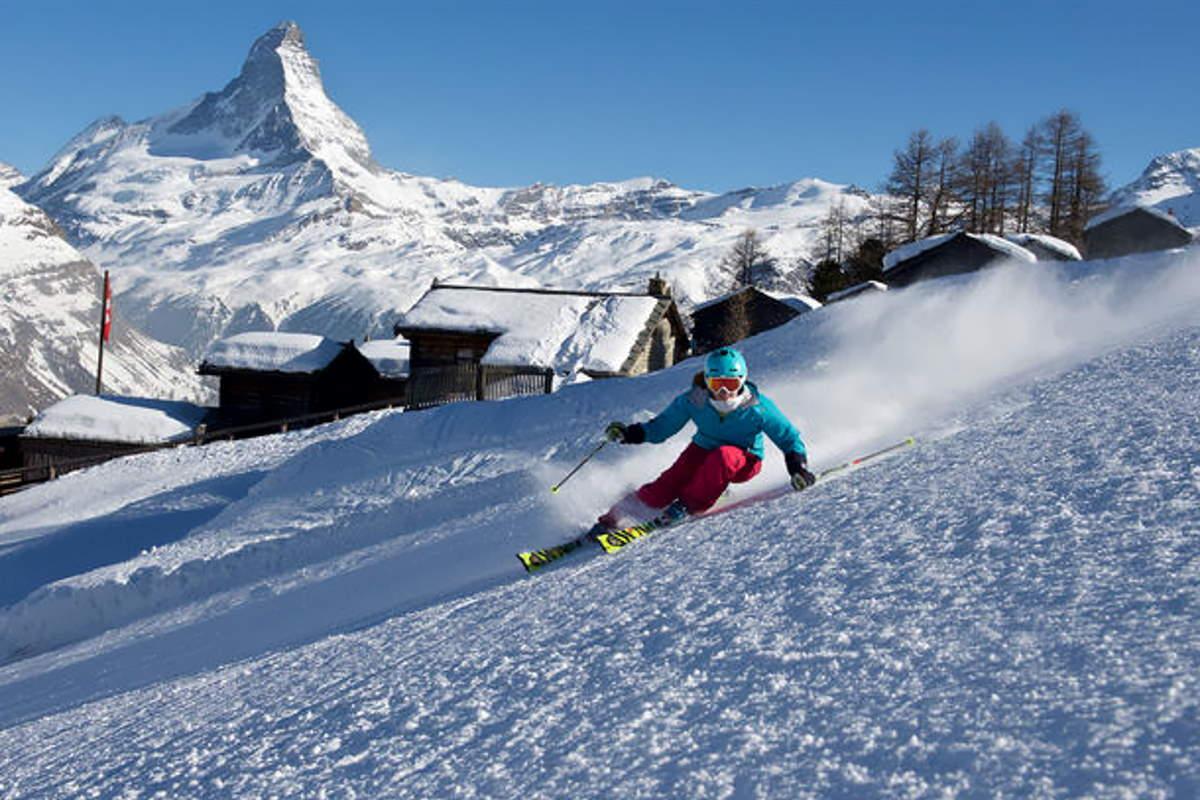 In Svizzera si scia: gli elvetici non ascolteranno gli inviti di altri Paesi a chiudere le piste da sci