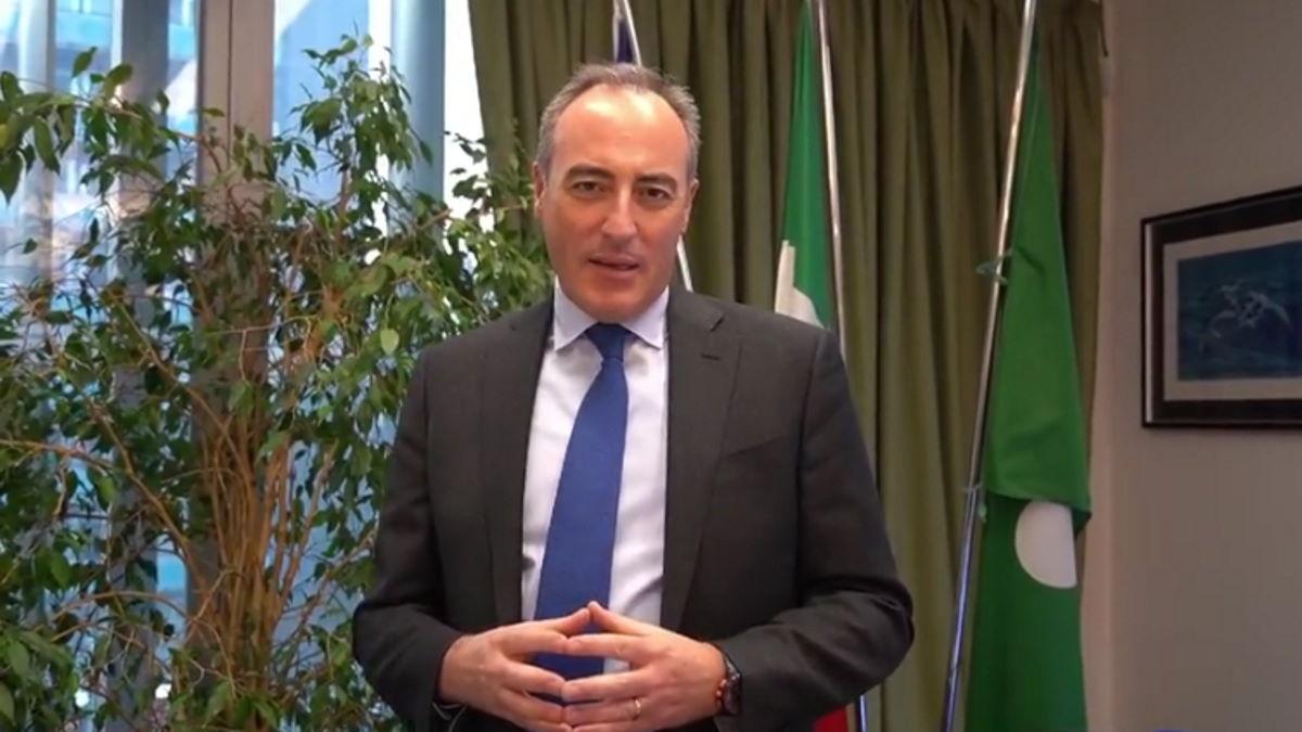 Ecco come l'assessore Gallera ha giustificato il ritardo delle vaccinazioni anti-Covid in Lombardia