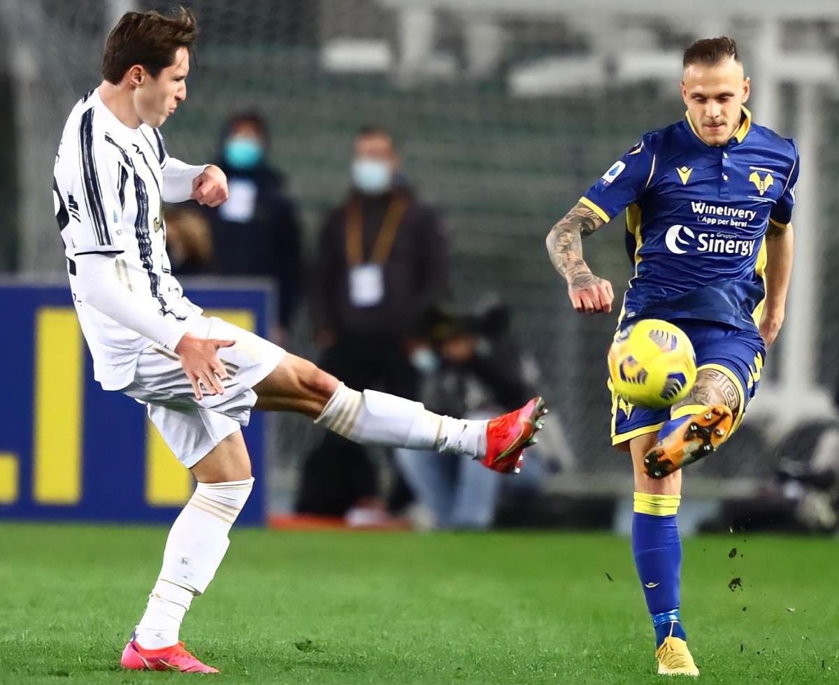 Verona-Juventus 1-1. Ora Pirlo è a -3 dal Milan, che domani affronta la Roma