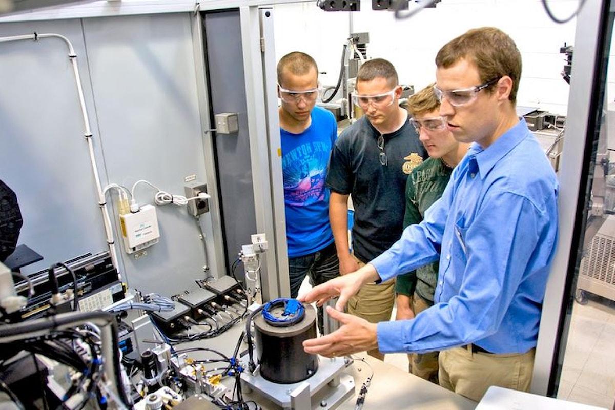 La Scuola del Futuro: una maggiore attenzione agli Istituti Tecnici ed ai corsi post-diploma ITS. I corsi di studio tecnici elettronici ed informatici elemento trainante nella transizione digitale