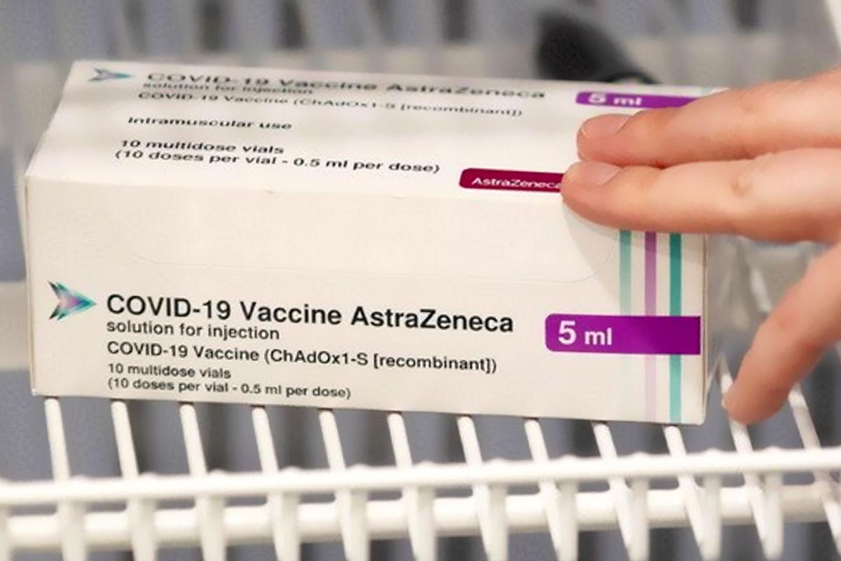 Due versioni del vaccino AstraZeneca/Oxford ora disponibili per il lancio globale attraverso la COVAX Facility