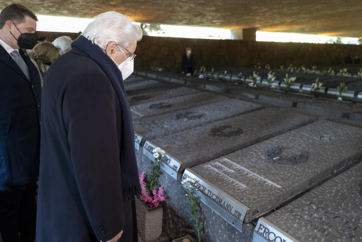 24 marzo, Mattarella commemora le vittime dell'eccidio delle Fosse Ardeatine