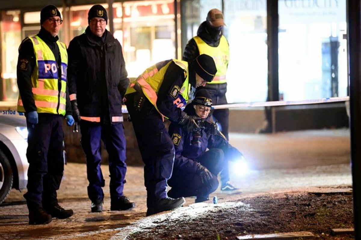 Svezia, forse un attacco terroristico, ferito l'attentatore 20enne