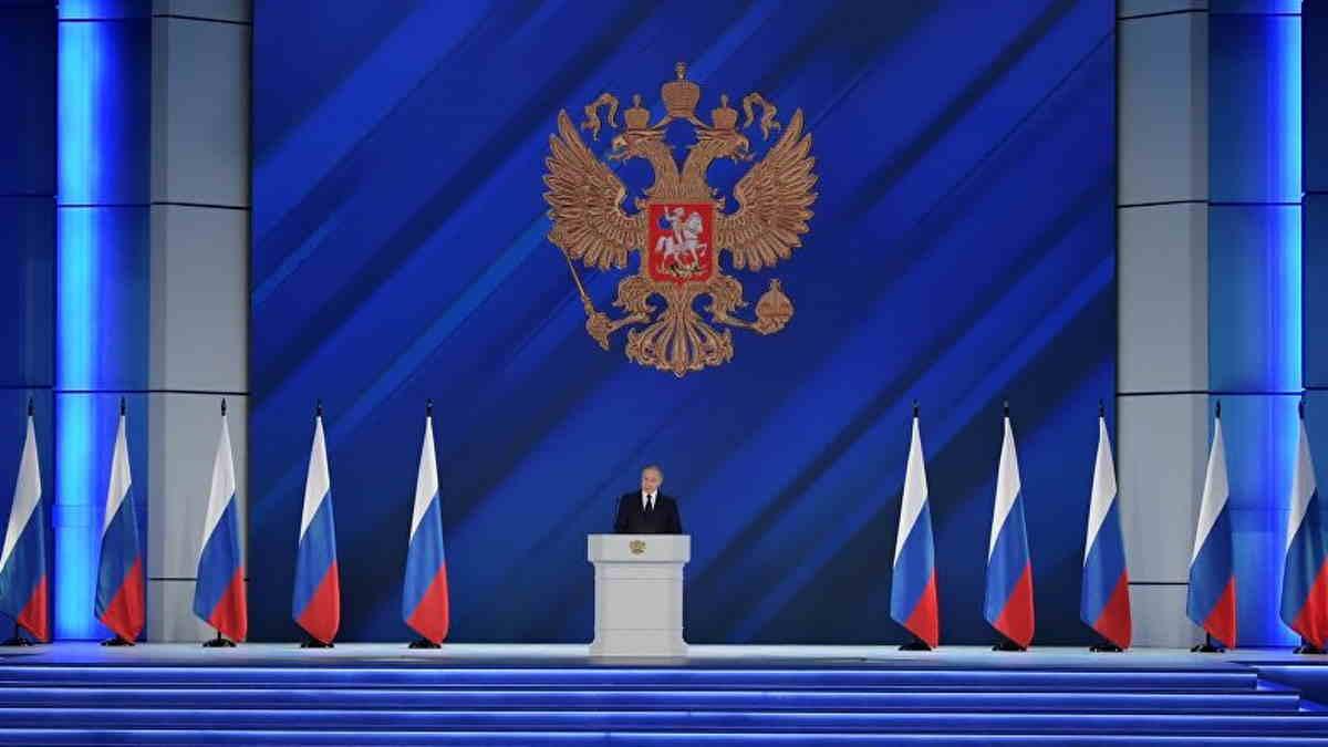 Putin: non oltrepassate la linea rossa o ve ne pentirete