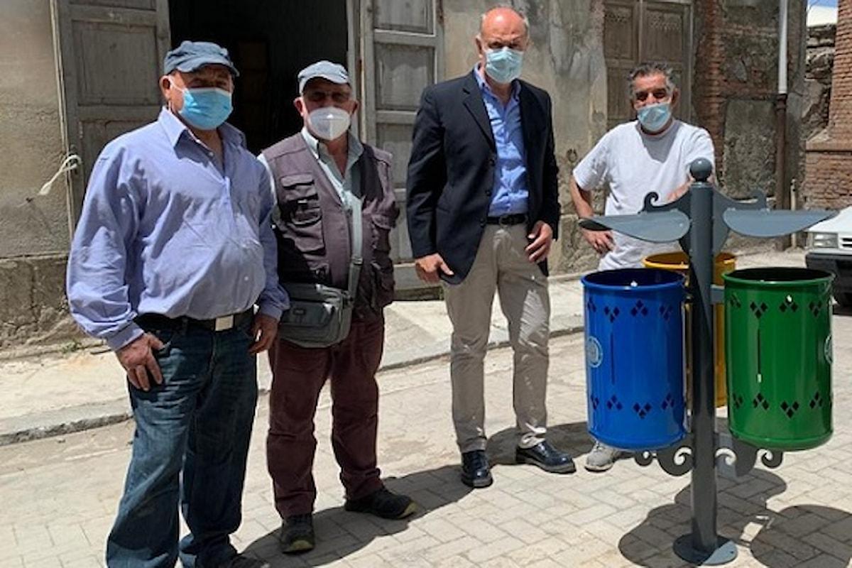 Milazzo (ME) - Consegnati i cestini portarifiuti
