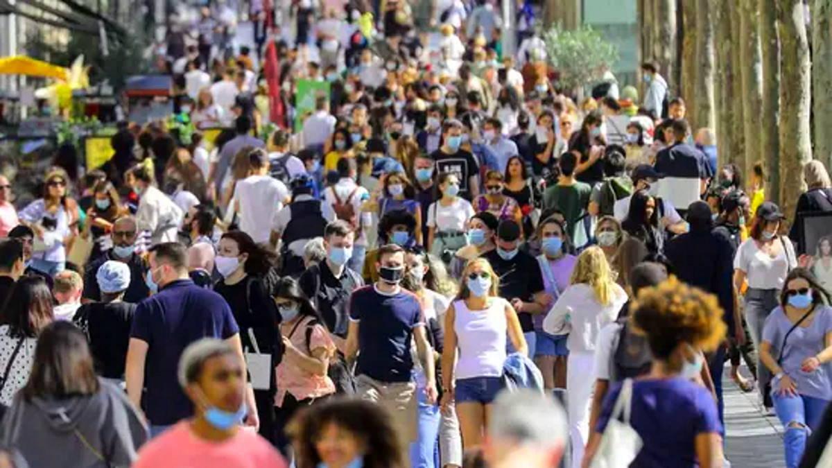 La Francia ha comunicato di ritirare in anticipo le restrizioni anti-Covid