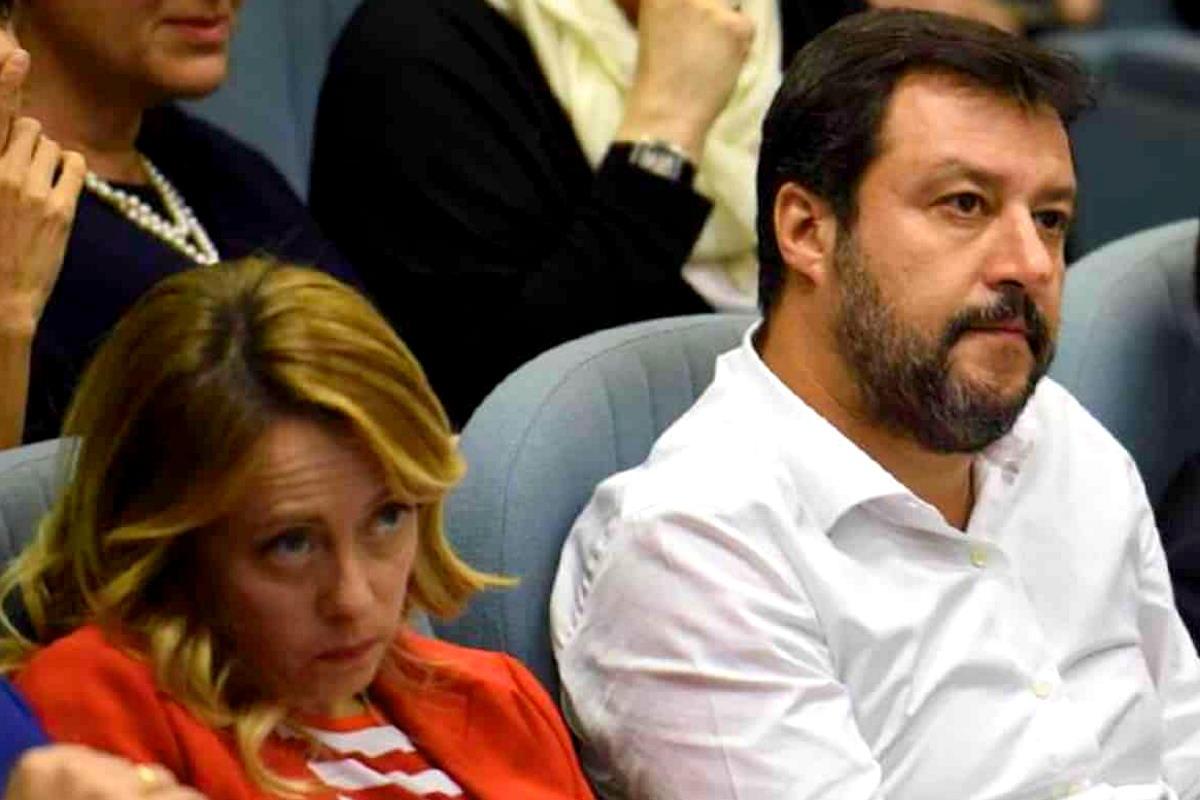 I social di Salvini e Meloni bucano la notizia di come Draghi ha commentato la nota del Vaticano sul ddl Zan