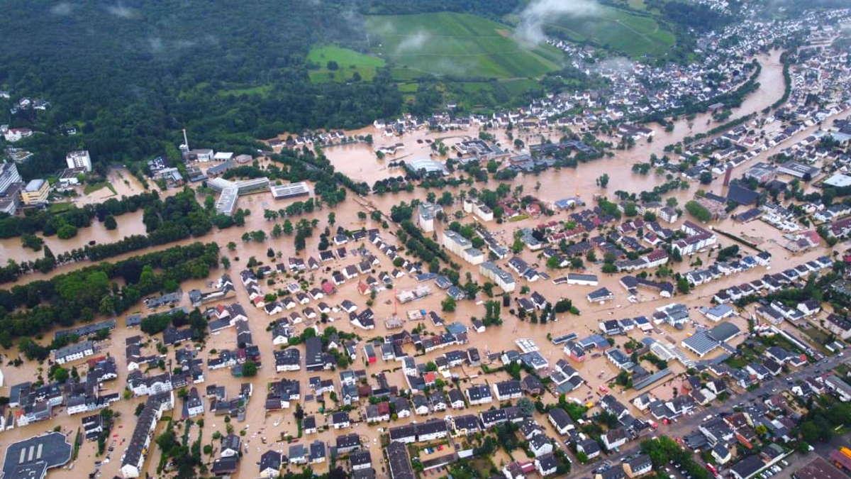 Il nord Europa travolto dal maltempo, gravissimi danni e numerose vittime in Germania