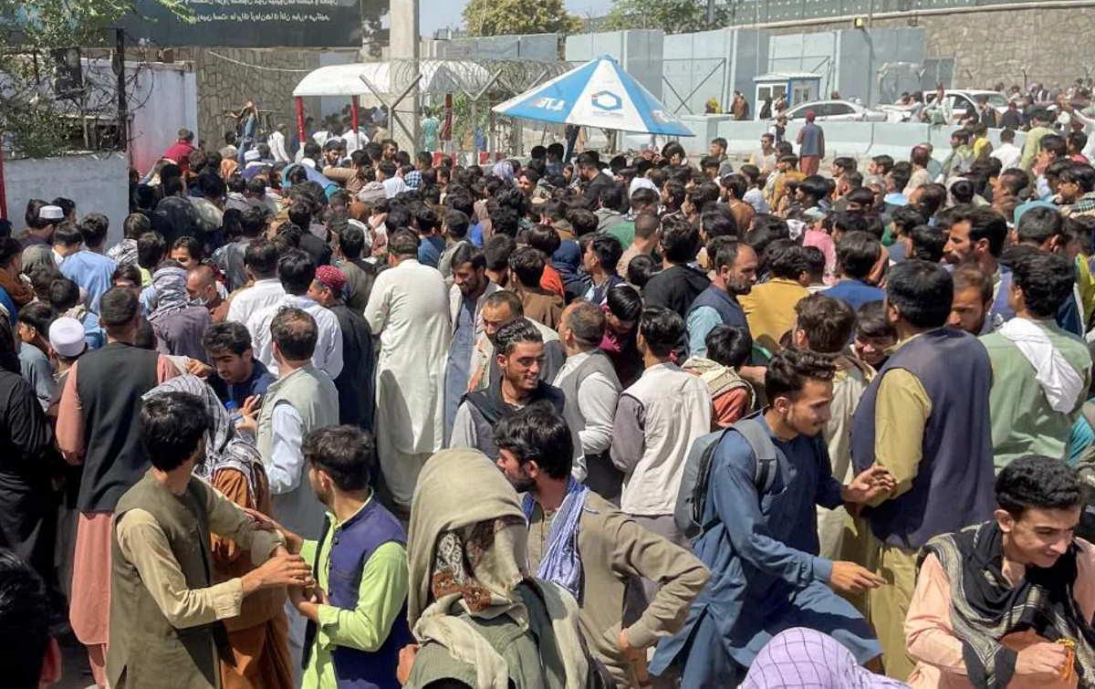 Ottantuno studentesse afgane bloccate a Kabul, partite da Herat avrebbero dovuto iniziare i corsi di studio alla Sapienza