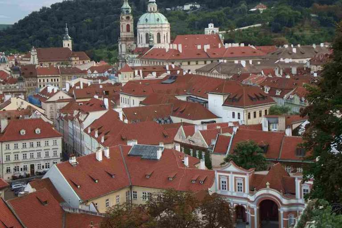 Praga dai tetti d'oro