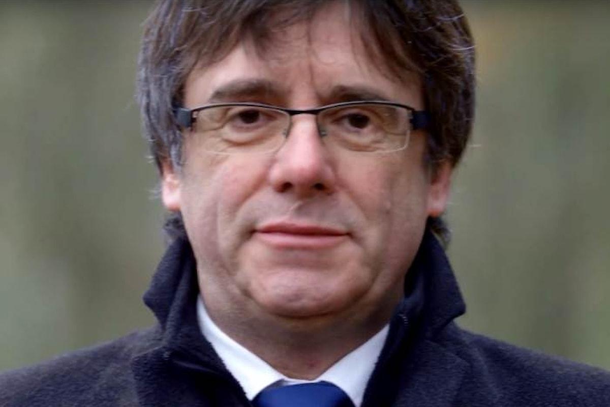 Puigdemont e i suoi ex ministri non sono più ricercati all'estero, ma se tornano in Spagna saranno arrestati