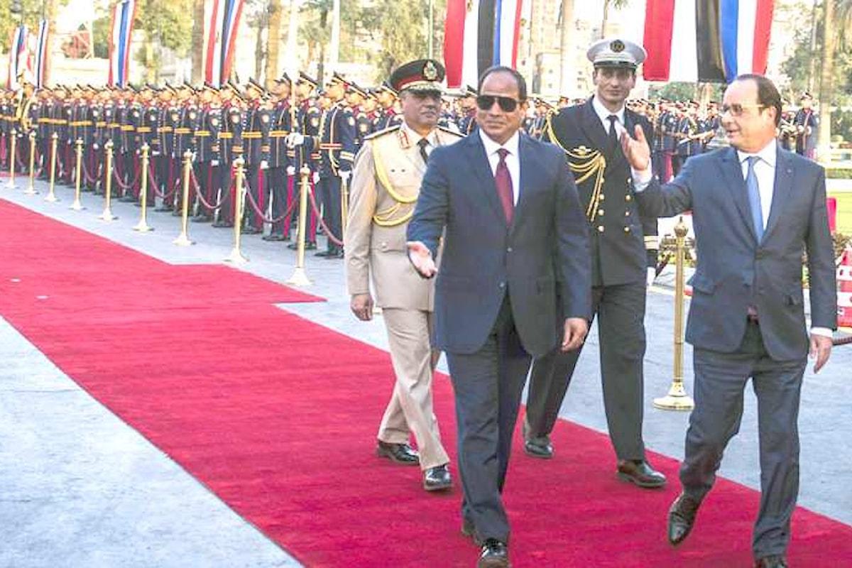 Hollande va in Egitto a fare affari con Al-Sisi. Ed il rispetto dei diritti umani?