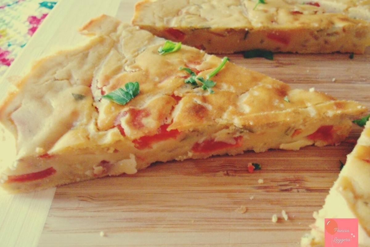 """""""Frittata"""" di ceci al forno, pochi ingredienti genuini e un procedimento facile e veloce per un piatto salutare adatto a tutti."""