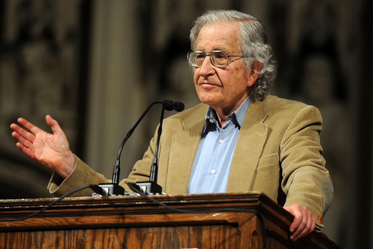 Scontro fra Noam Chomsky e Erdogan, accusato delle violenze a danno dei Curdi
