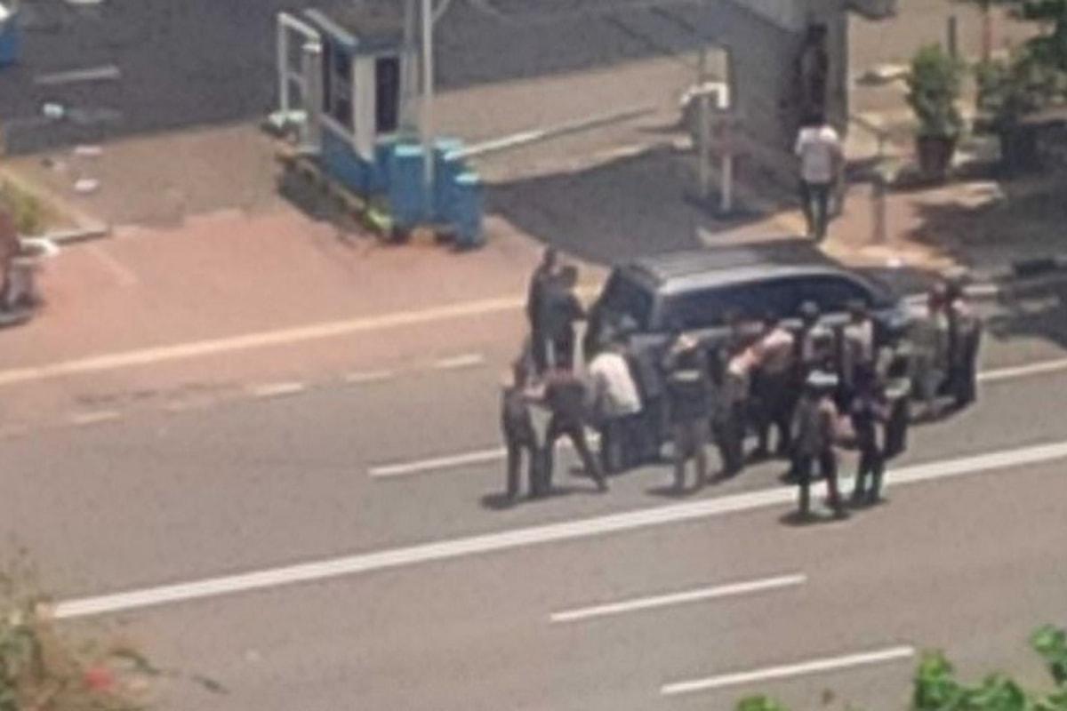 Esplosioni e spari a Giacarta. 14 attentatori. 7 i morti