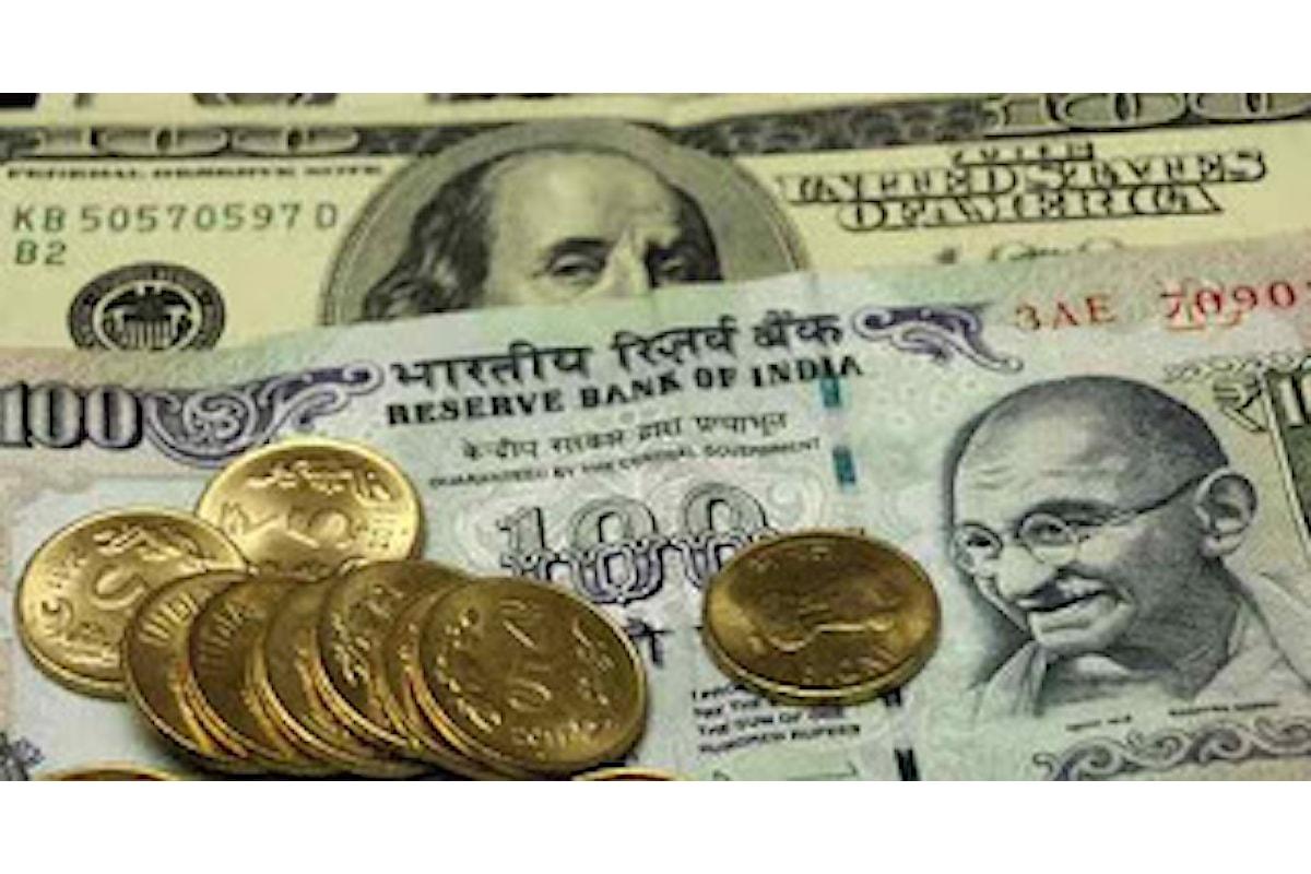 Forex: capitali esteri in fuga dall'India, la Rupia perde quota