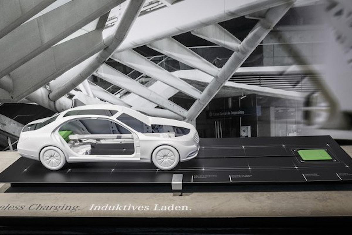 Mercedes e la ricarica delle auto elettriche senza cavo