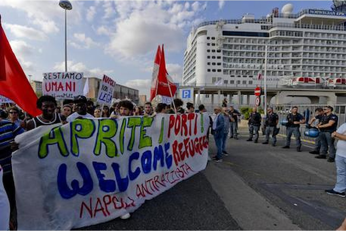 Profughi: a Napoli la manifestazione di protesta contro Salvini