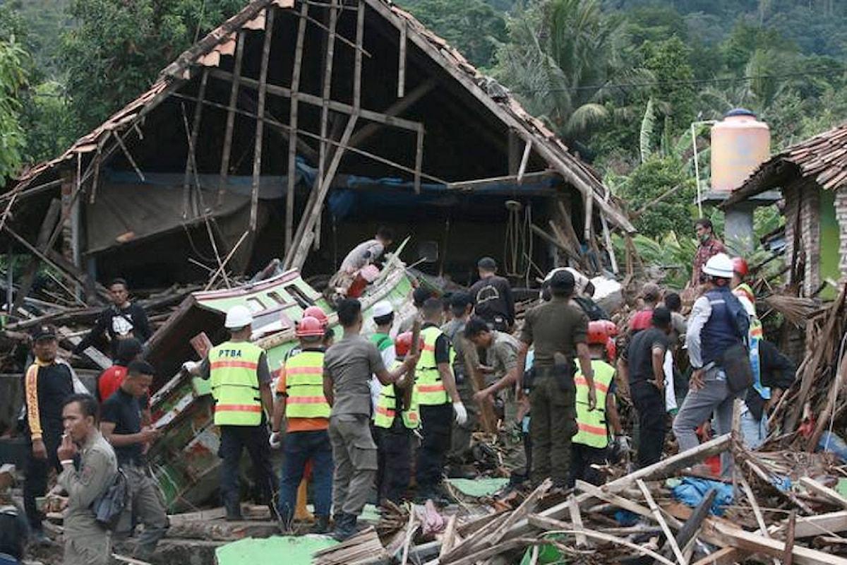 Si avvicina a 500 il numero dei morti dello tsunami causato dall'eruzione dell'Anak Krakatau