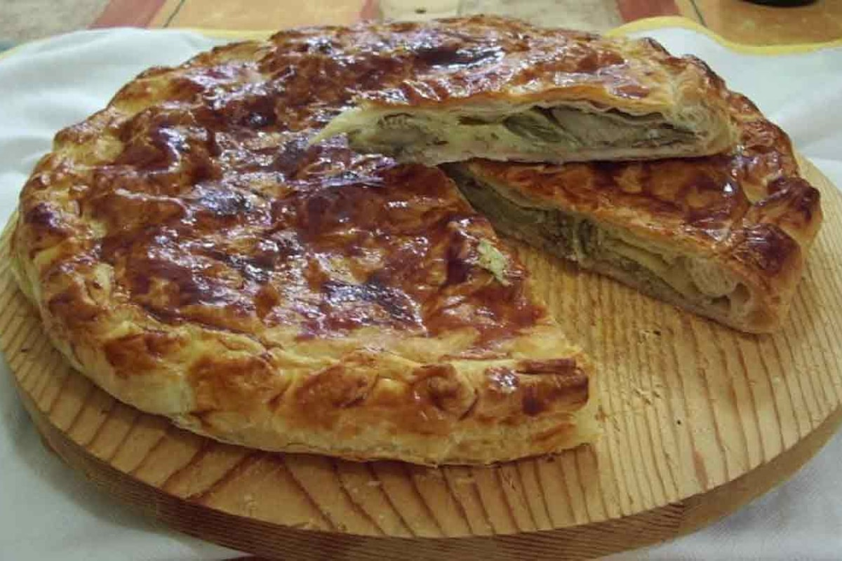 Idee per Pasqua: gustosa torta rustica di carciofi e patate