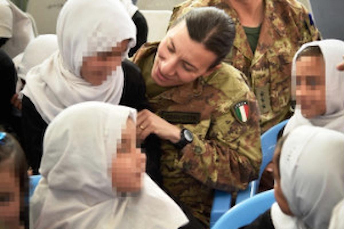 Afghanistan, militari italiani donano materiali all'orfanotrofio di Herat
