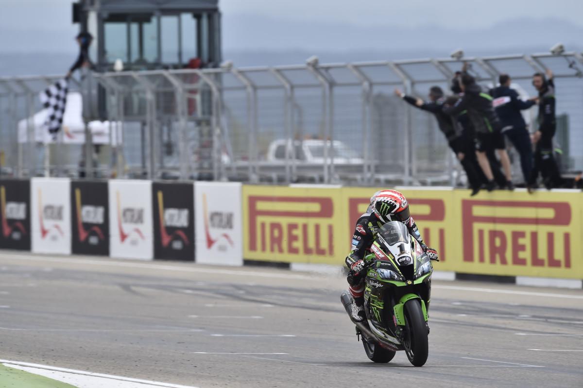 SBK: Jonathan Rea conquista Gara 1 ad Aragon, Melandri quarto