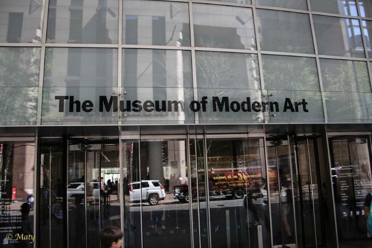Il MoMA ha messo online migliaia di foto di mostre dal 1929 ad oggi
