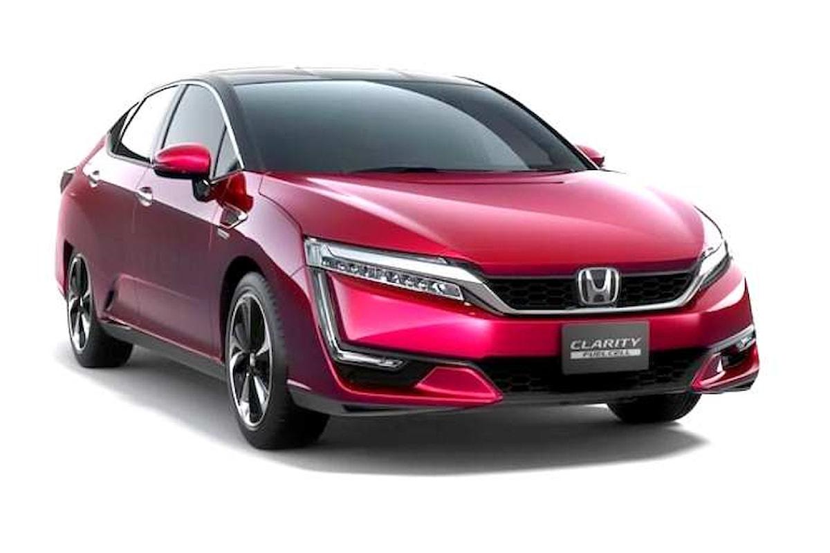 La vettura ad idrogeno Honda Clarity Fuel Cell può percorrere quasi 600 km con un pieno
