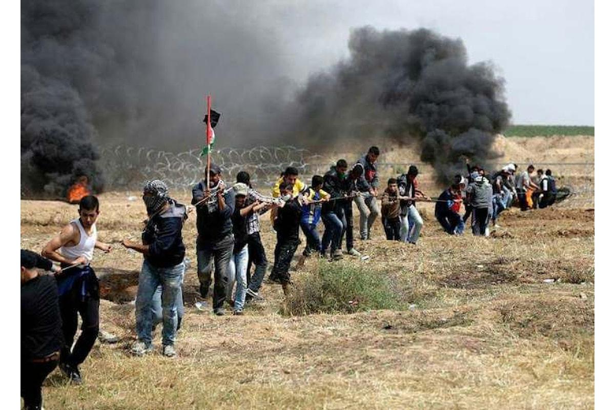 Al confine della Striscia di Gaza il quinto venerdì di protesta, dedicato ai giovani rivoluzionari. Nuove uccisioni