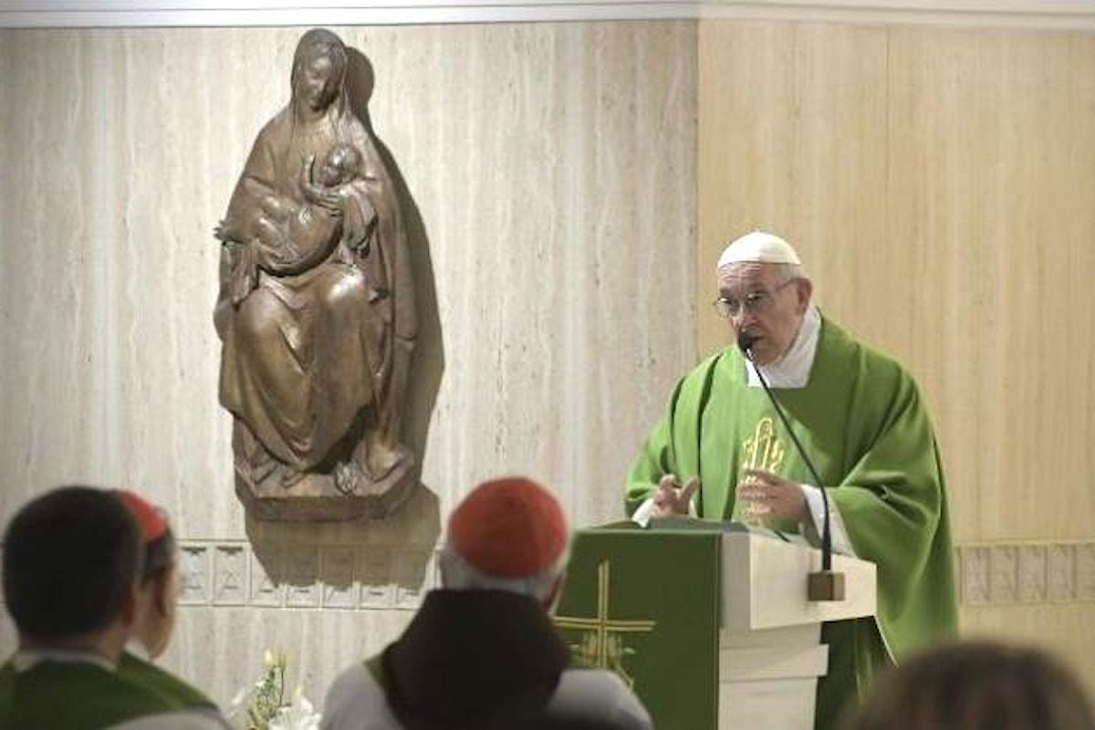 La riflessione del Papa sul Grande Accusatore che ce l'ha con i vescovi non può non far pensare alle accuse rivoltegli da Viganò
